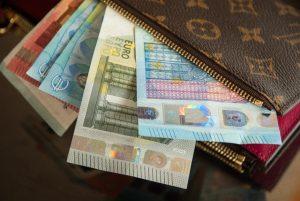 Cena a peniaze